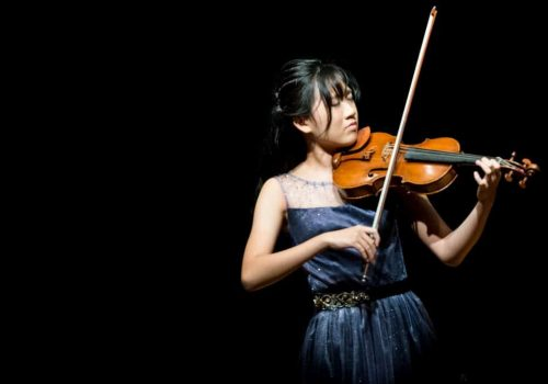 Teen-violinist-01